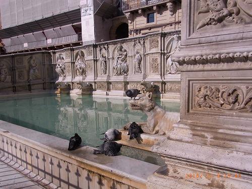 2010.2、シエナ・ガイヤの泉